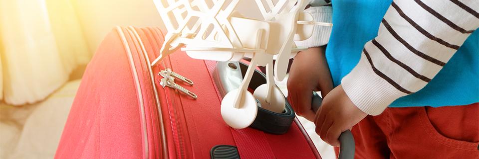 """Imagem ilustrativa para o post """"10 dicas para viajar de avião com crianças pequenas"""""""